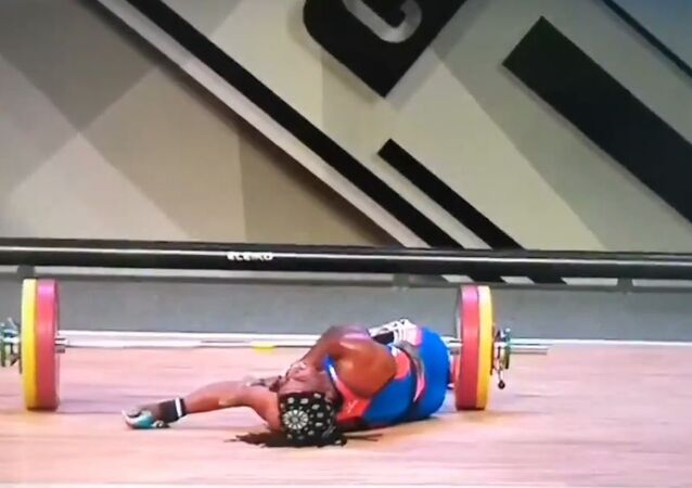French Weightlifter Breaks Arm While Lifting 110kg