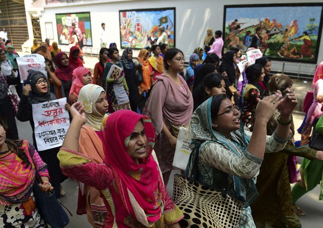 Bangladeshi students shout slogans during a protest to demand the arrest of the killers of college student Sohagi Jahan Tonu in Dhaka on March 30, 2016 Tonu was sexually assaulted and murdered on March 20 in Comilla some 120kms from Dhaka while returning home from her part-time job as a private tutor