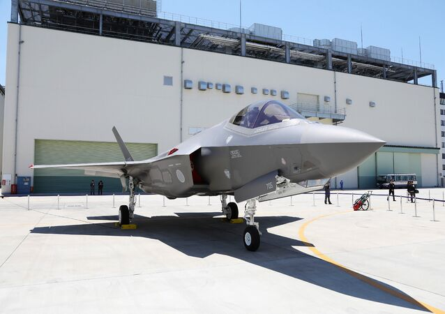 This picture taken on June 5, 2017 shows the first F-35A stealth fighter assembled in Japan, unveiled at a Mitsubishi Heavy Industries factory in Toyoyama, Aichi Prefecture