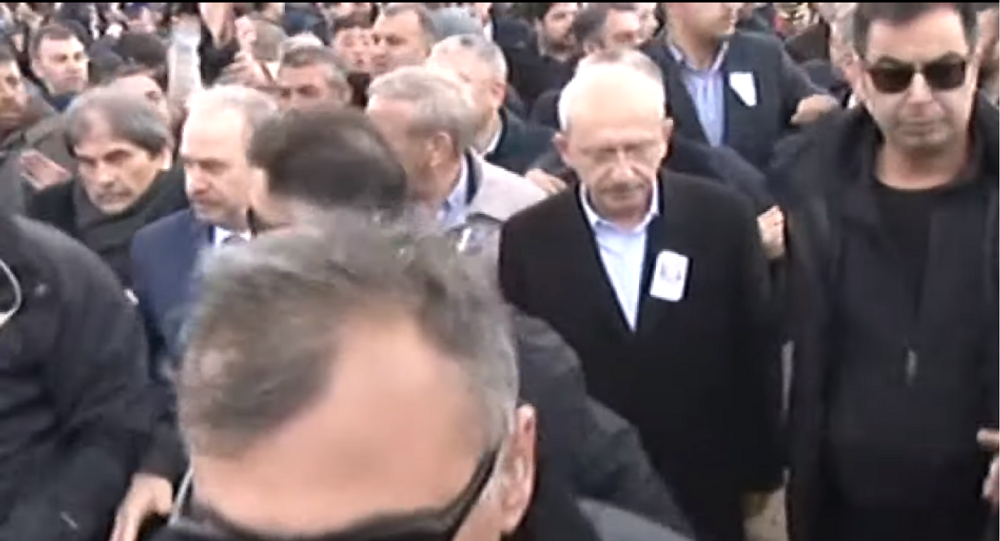 Turkey's Opposition Leader Attacked by Angry Mob