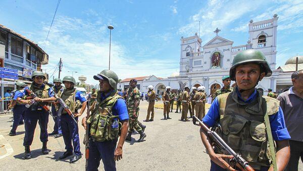 Sri Lankan Army soldiers secure the area around St. Anthony Shrine after a blast in Colombo, Sri Lanka, Sunday, April 21, 2019. - Sputnik International