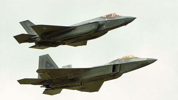 F22 Raptor & F35 Lightning II  - Sputnik International