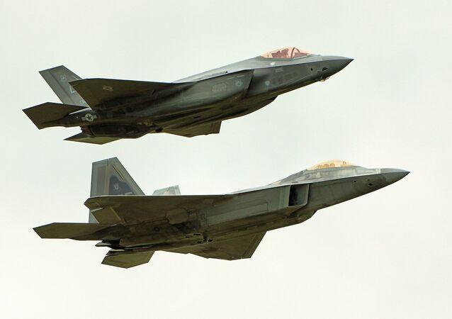 F22 Raptor & F35 Lightning II