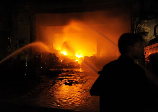 Personnel from the Ahmedabad Fire and Emergency Services fight a major fire at a chemical factory (File)
