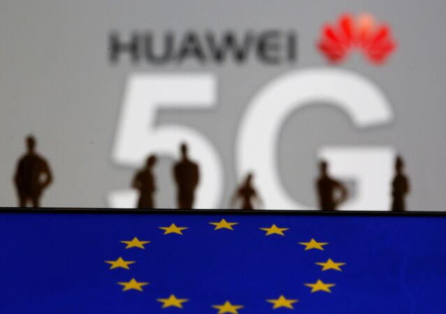 Huawei and 5G network logo