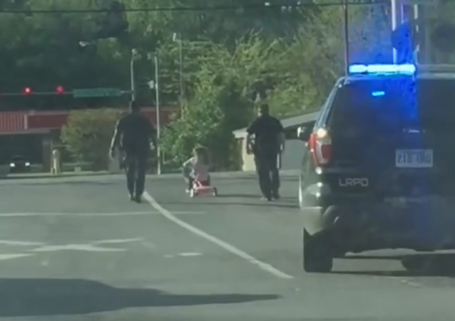 Preschool Pursuit: Four-Year-Old and Her Chihuahua Attempt to Evade US Cops