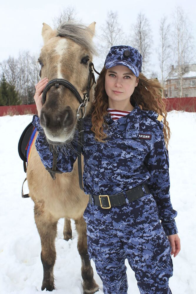 Women-at-Arms: See Stunning Beauties of Russian Police Forces