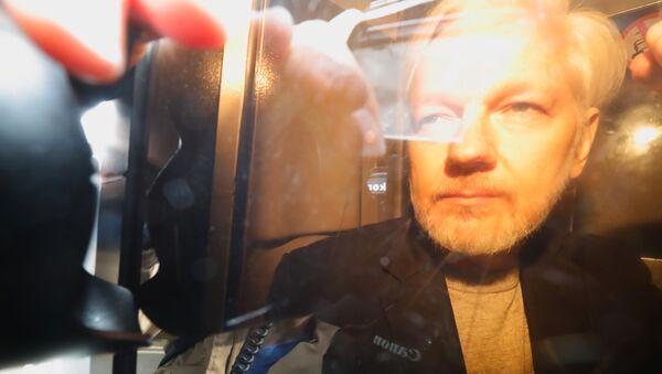 WikiLeaks Founder Julian Assange Arrives at Court in London - Sputnik International