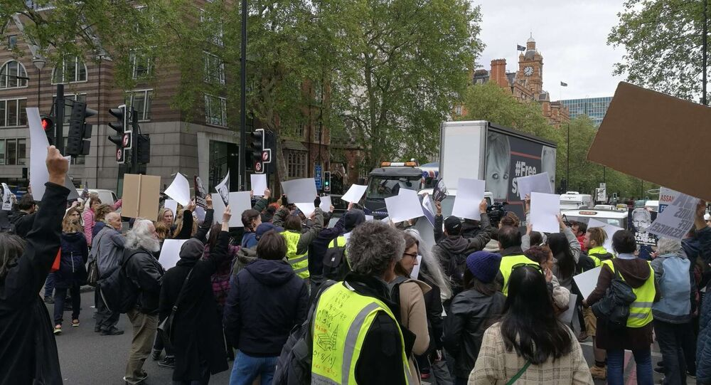 People in Yellow Vests Gather Outside Westminster Magistrate's Court