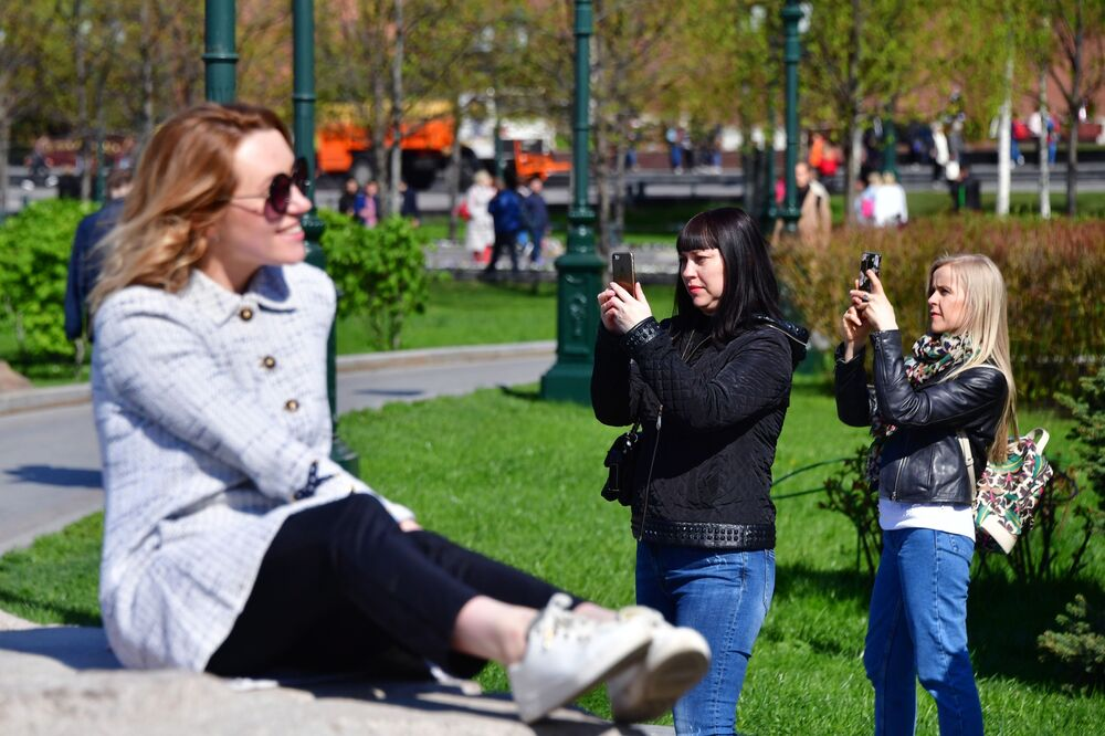 Girls Taking Pictures at Alexander Garden in Moscow