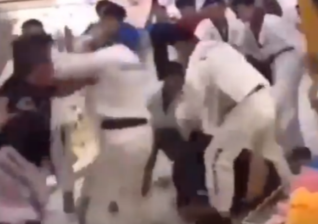 Chinese Mall Brawl, Taekwondo Vs. Gym Workers