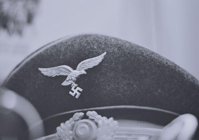 Una gorra nazi