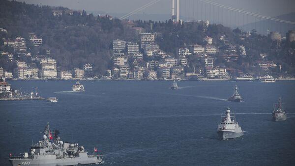 Turkish Navy vessels cross the Bosporus Strait in Istanbul, Saturday, March 9, 2019, upon completion of massive drills by the Turkish Navy entitled Mavi Vatan – the Blue Homeland. - Sputnik International