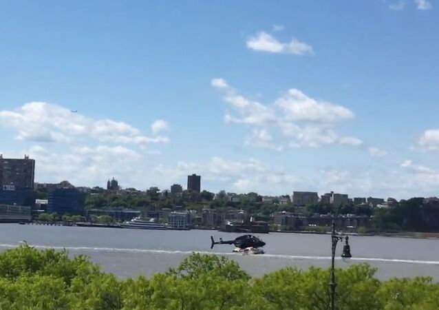 Helicopter Loses Control, Goes Down in Hudson River