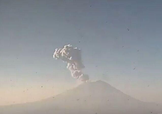 Explosion Rocks Popocatepetl Volcano
