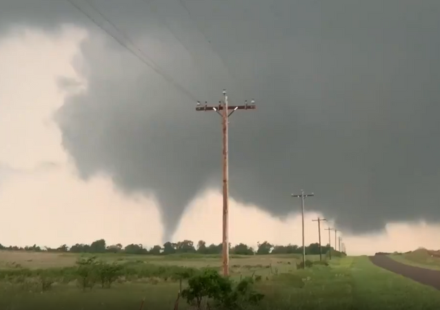 Tornado touches down near Mangum, Oklahoma, May 20, 2019
