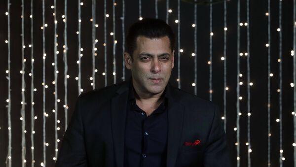 Bollywood actor Salman Khan poses for photographs at Priyanka Chopra and musician Nick Jonas wedding reception in Mumbai, India, Thursday, Dec 20, 2018 - Sputnik International