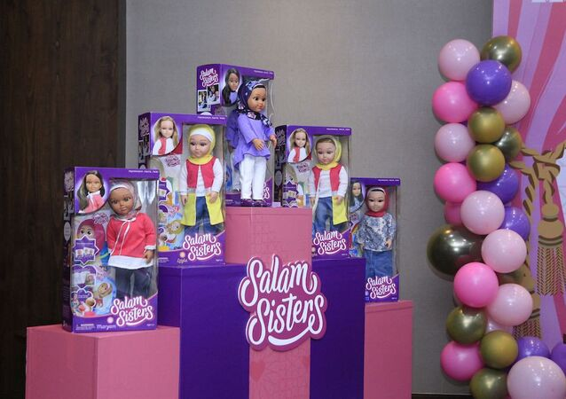 Salam Sisters, comprising five different characters, will be available at 43 Toys Kingdom outlets across Indonesia