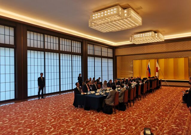 Russia-Japan Peace Treaty, Visa-Free Regime Agreement Discussed (or on the table) at Lavrov-Kono Talks in Tokyo