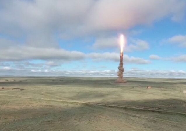 Russian military test launches ABM missile.