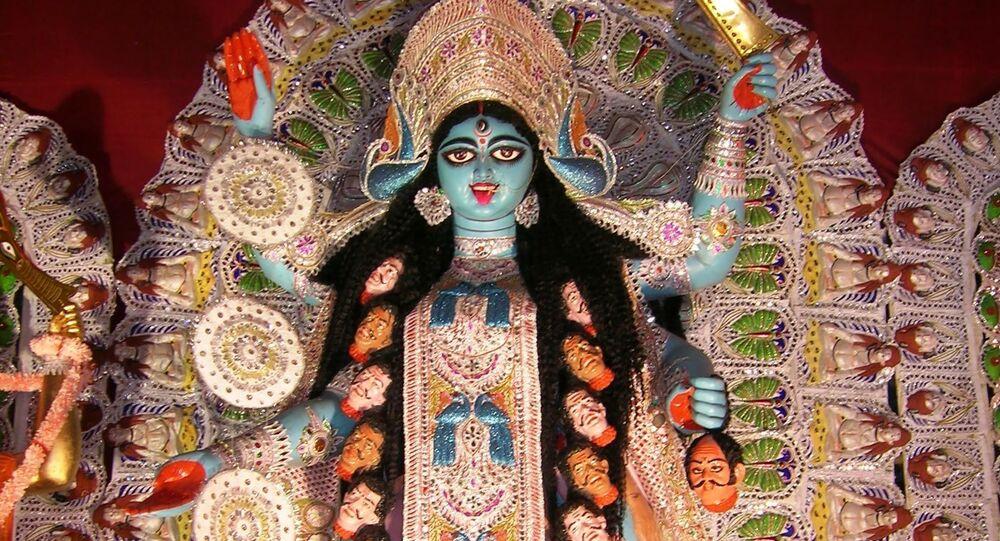 Shyama at a Sarbojanin Kali Puja pandal at Shakespeare Sarani, Kolkata