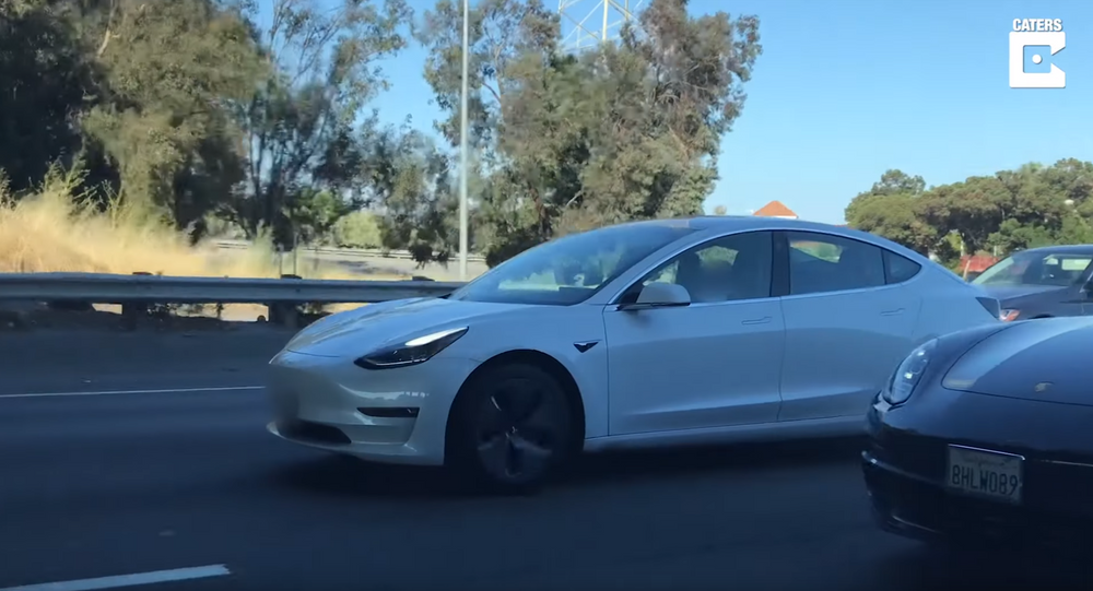 US Man Naps in Tesla Model S During Rush Hour