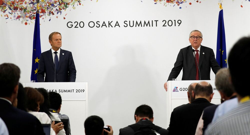 EurEuropean Commission President Jean-Claude Juncker and European Council President Donald Tusk attend a news conference at the G20 leaders summit in Osaka, Japan, 28 June 2019