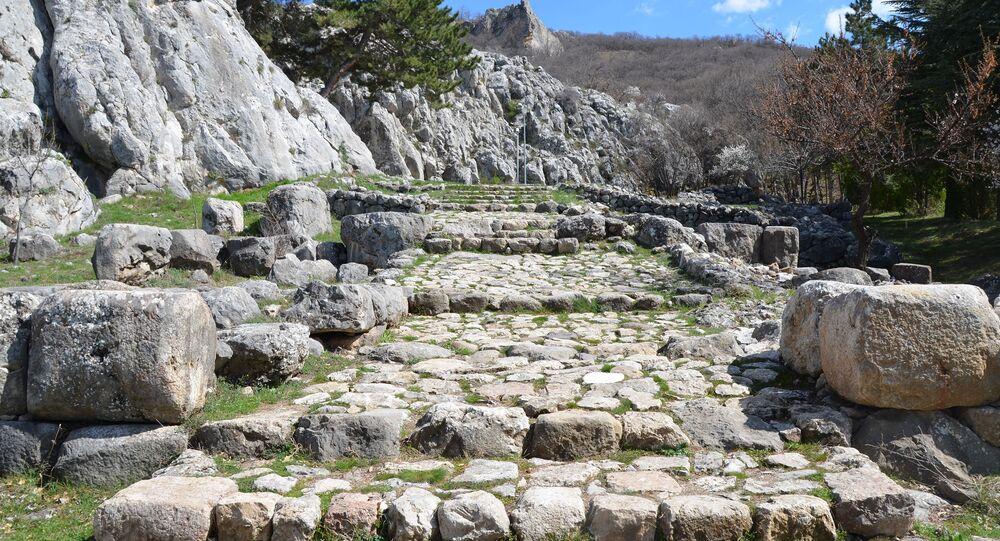 The entrance to Yazılıkaya sanctuary, Turkey
