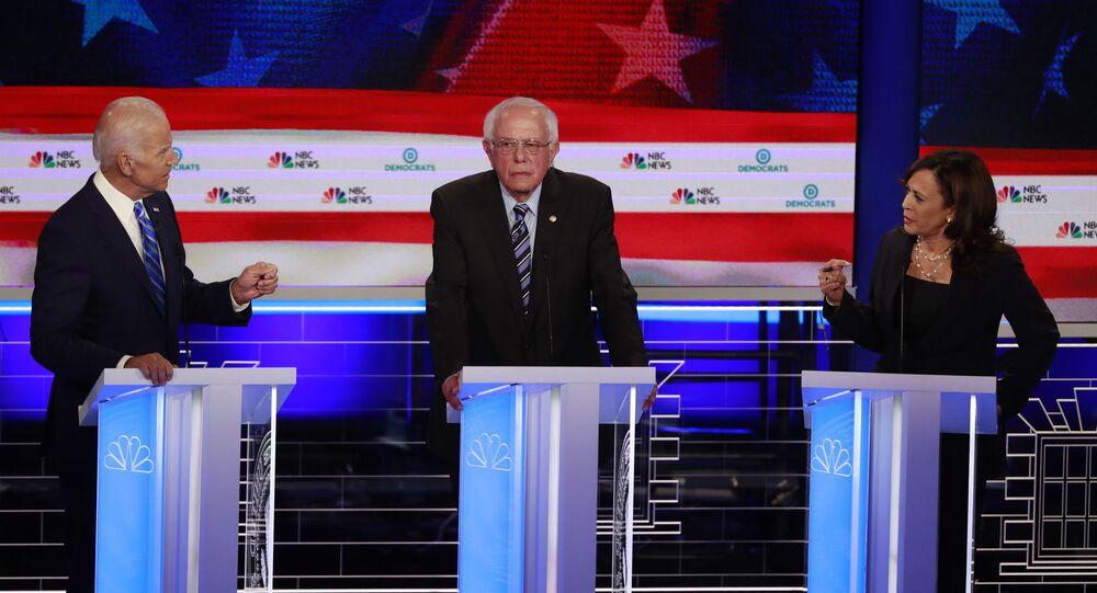 Democratic presidential candidate former Vice-President Joe Biden, left, and Sen. Kamala Harris