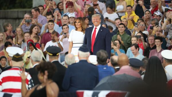 President Donald Trump and first lady Melania Trump, arrives speaks to an Independence Day celebration in front of the Lincoln Memorial in Washington, Thursday, July 4, 2019. (AP Photo/Andrew Harnik) - Sputnik International