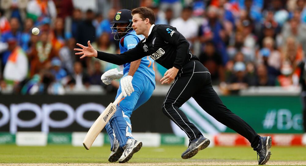 Cricket - ICC Cricket World Cup Semi Final - India v New Zealand - Old Trafford, Manchester, Britain - July 10, 2019 New Zealand's Lockie Ferguson in action