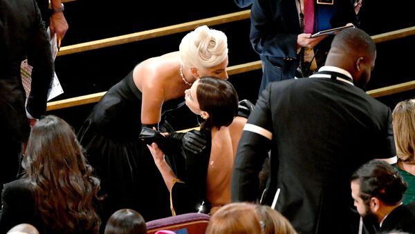 HOLLYWOOD, CALIFORNIA - FEBRUARY 24: (L-R) Lady Gaga and Irina Shayk during the 91st Annual Academy Awards at Dolby Theatre on February 24, 2019 in Hollywood, California - Sputnik International