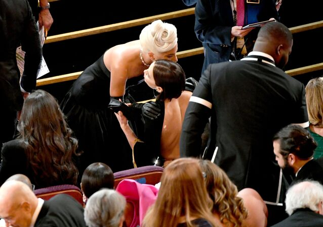 HOLLYWOOD, CALIFORNIA - FEBRUARY 24: (L-R) Lady Gaga and Irina Shayk during the 91st Annual Academy Awards at Dolby Theatre on February 24, 2019 in Hollywood, California