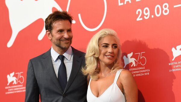 Actor Bradley Cooper and singer Lady Gaga during a photo call for A Star is Born at the 75th Venice Film Festival - Sputnik International