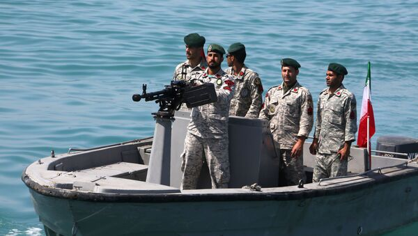 Iranian soldiers take part in the National Persian Gulf day in the Strait of Hormuz, on April 30, 2019 - Sputnik International