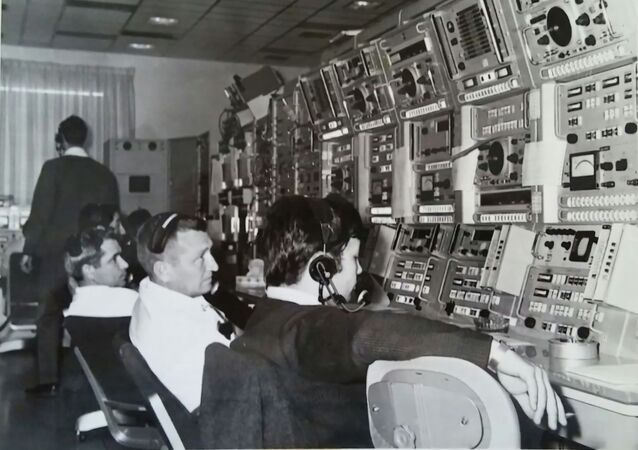 1968, Fresnedillas NASA tracking station. In the foreground: Carlos Gonzalez, the only Spaniard among the Americans