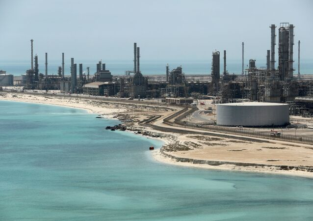 General view of Saudi Aramco's Ras Tanura oil refinery and oil terminal in Saudi Arabia May 21, 2018. REUTERS/Ahmed Jadallah