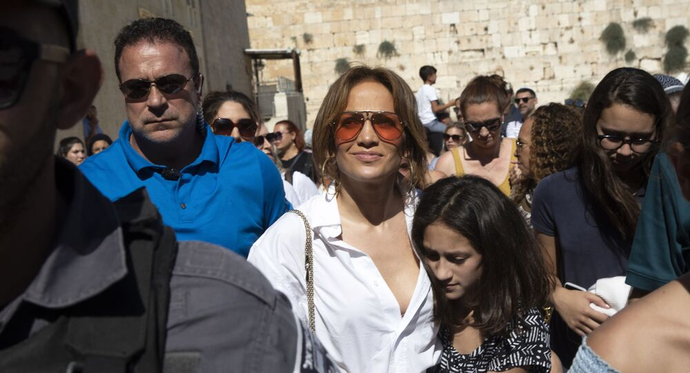 American Actress and singer Jennifer Lopez visits the Western Wall in Jerusalem's Old City on 2 August 2019.