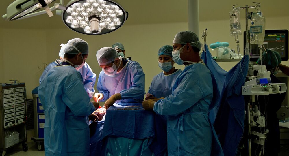 Indian doctors perform surgery (File)