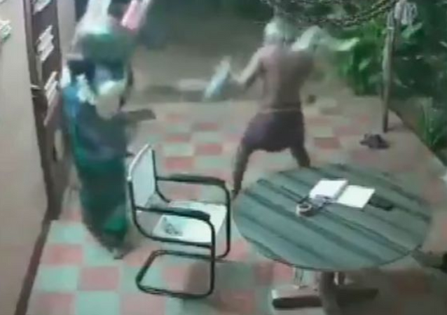 Elderly Indian Couple Fights Off Armed Intruders With Slippers, Chairs