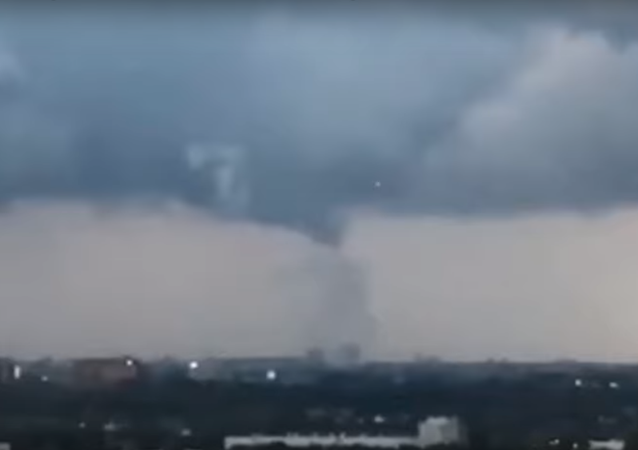 UFOs seen during mini tornado in Amsterdam,Nederland! Aug 10,2019