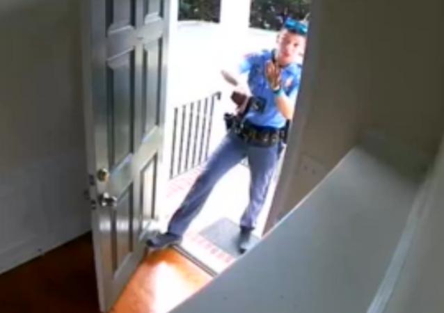 US Man Handcuffed in Own Home Over False Burglar Alarm