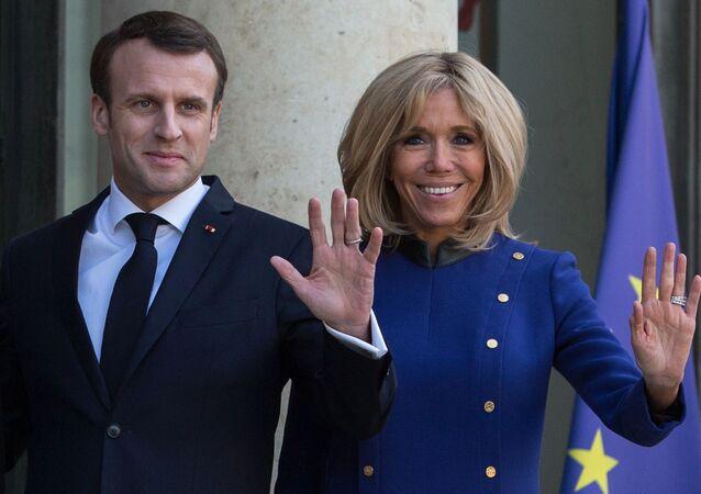 Brigitte and Emmanuel Macron meeting the leaders of China and EU