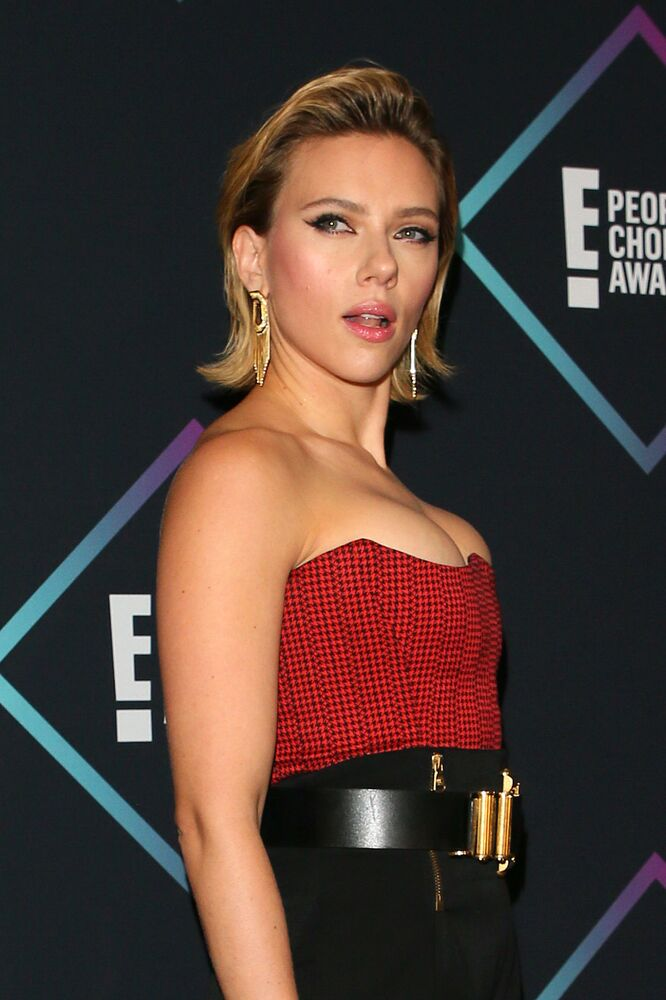 Scarlett Johansson, nominee for The Female Movie Star of 2018, poses in the press room during the People's Choice Awards 2018 at Barker Hangar, in Santa Monica, California, on November 11, 2018.