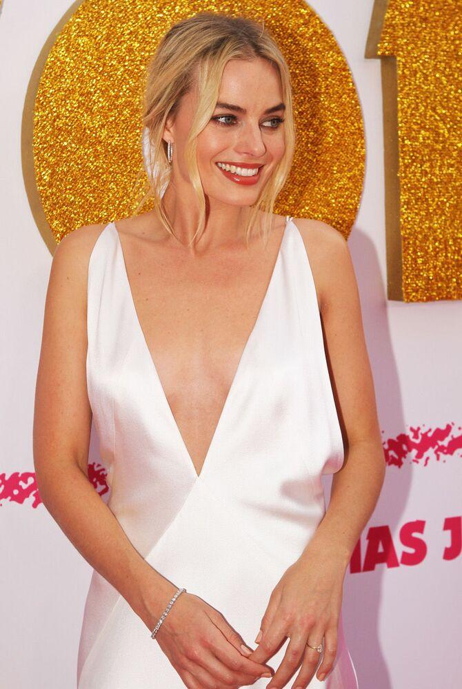 Margot Robbie arrives at the Australian Premiere of 'I, Tonya' on January 23, 2018 in Sydney, Australia.