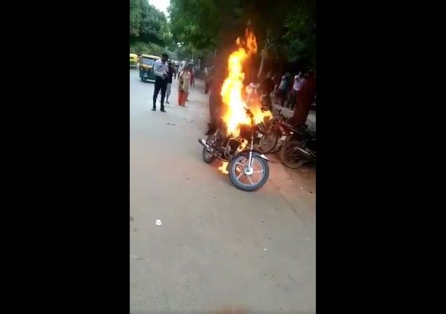A man allegedly set his bike on fire in Sheikh Sarai ,Delhi after police issued challan for violating traffic rules