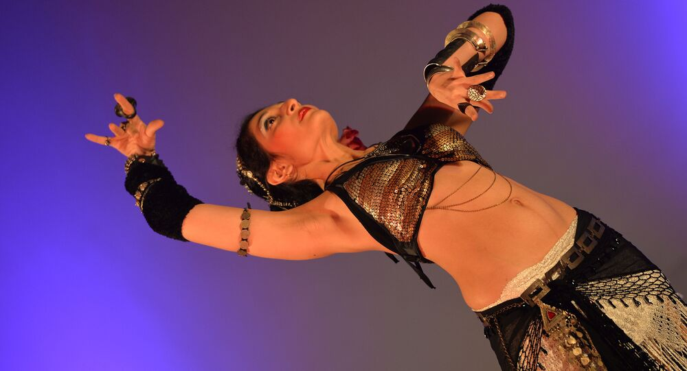 A belly dancer performs during the 5th Annual Belly Dance Festival Hip-Nosis 2013 on October 26, 2013 in Bangalore