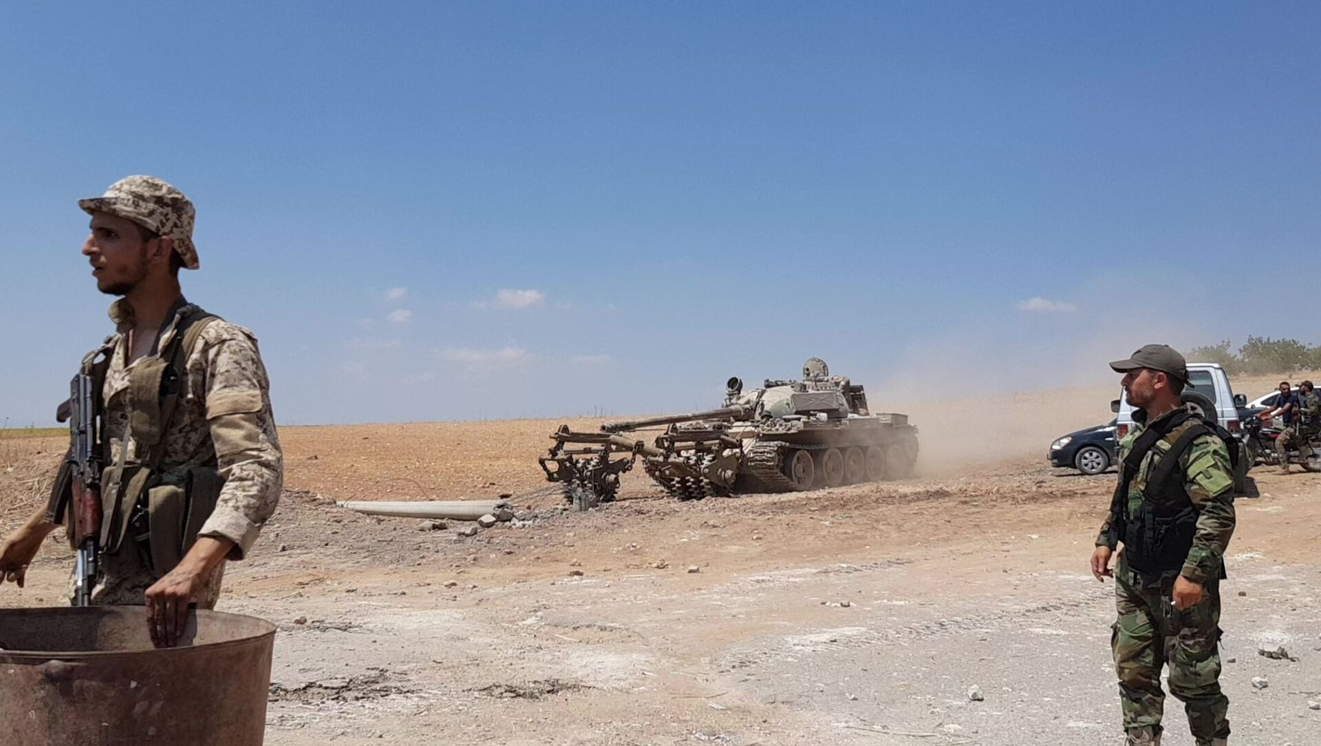 The Syrian army conducts mine clearance outside the town of Khan Sheikhoun after its liberation, Idlib province, Syria - Sputnik International, 1920, 04.08.2021