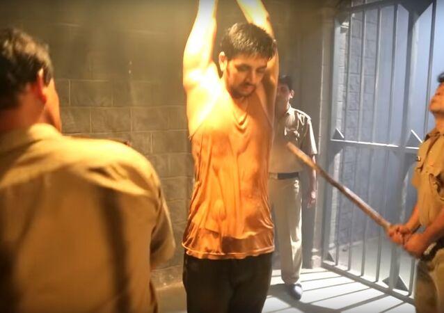 Ranveer Gets Beaten Up Brutally In The Lock Up