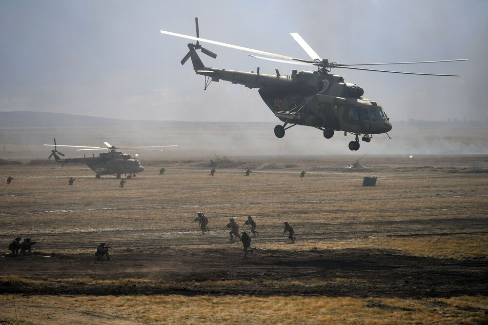 Mi-8 helicopters during the main stage of the Centre - 2019 strategic exercises at the Donguz training ground